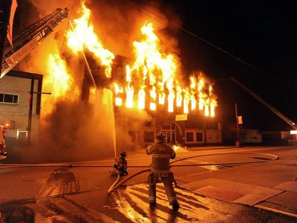Nằm mơ thấy cháy nhà mang lại điềm báo gì
