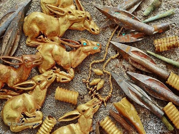 tìm thấy cả kho vàng ở ngôi mộ