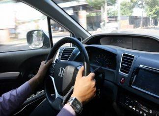 Mơ thấy lái xe ô tô