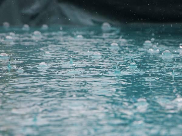 Nằm mơ thấy nước tràn vào nhà đánh con gì? Điềm báo giấc mơ